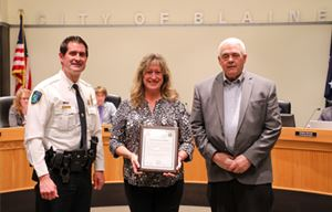 Photo of Maureen Skinner with Chief Brian Podany and Mayor Tom Ryan